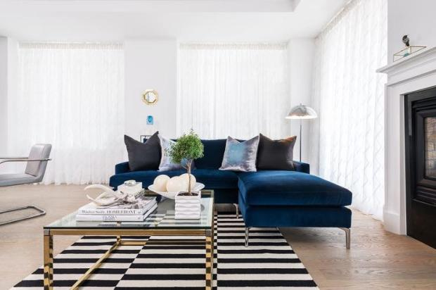 sapphire-blue-velvet-sofa-chaise-lounge-black-pillows