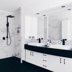 B&W Bathroom 1