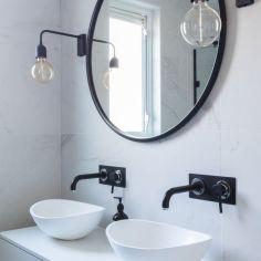 B&W Bathroom 2