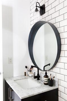B&W Bathroom 3